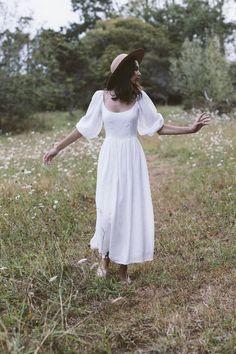 The bellflower dress in blanc ~ (pre order) — Kara Thoms Aesthetic Fashion, Timeless Fashion, Retro Fashion, Boho Fashion, Fashion Outfits, White Dress Summer, Summer Dresses, White Boho Dress, Garden Dress