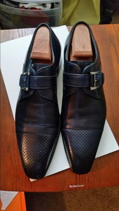 Navy blue monk strap perforated cap- toe