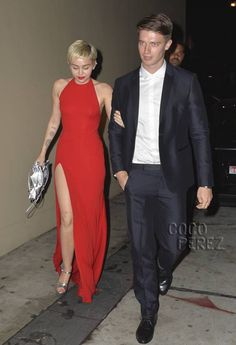 ​Miley Cyrus & Patrick Schwarzenegger Are Sexy-Chic On Their Pre-Grammys Date!