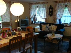 Náš obýváček Curtains, Home Decor, Blinds, Decoration Home, Room Decor, Draping, Home Interior Design, Picture Window Treatments, Home Decoration
