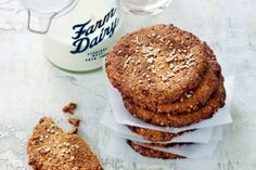 Dit koekje mag, want deze zit vol eiwitten en goede vetten - Recept - Allerhande