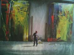 Gerhard Richter - In Bonn, Germany. The scale of this work amazes me. Gerhard Richter, Art And Illustration, Artist Art, Artist At Work, Abstract Expressionism, Abstract Art, Action Painting, Famous Artists, Art Studios