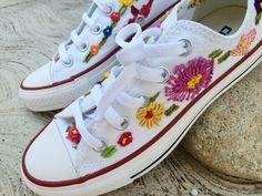 #converse bordados a mano hechos artesanalmente #embroidery #embroideryshoes