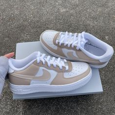 Dr Shoes, Cute Nike Shoes, Swag Shoes, Cute Nikes, Cute Sneakers, Hype Shoes, Sneakers Nike, Jordan Shoes Girls, Girls Shoes