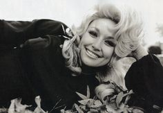 Young Dolly Parton <3 Dolly Parton Young, Dolly Parton Jolene, Pretty People, Beautiful People, Beautiful Women, Beautiful Person, Beautiful Things, Tennessee, Dolly Parton Pictures