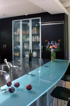 The modern combination of stainless steel and frosted glass make this counter top striking and unique. Marin County Contemporary Kitchen Design by Danenberg Design Diy Design, Interior Design, Interior Decorating, Sofa Layout, Glass Countertops, Contemporary Kitchen Design, Hotel Interiors, Modern Decor, Home Accents