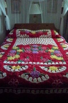 Vintage Needle Tufted Chenille Bedspread Red~Sweet Flower Bouquets