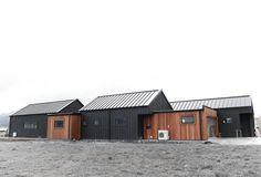 Cedar and Black Cladding House Exterior Alpine Tray Roof Eco Home Home Building Modern Barn House, Modern House Design, Black Cladding, House Cladding, Exterior Cladding, Black House Exterior, H Design, D House, Long House