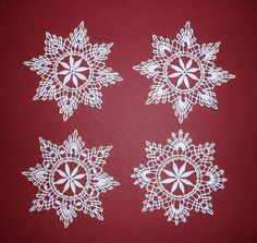 vianočné ozdoby :: Bobbin Lacemaking, Bobbin Lace Patterns, Lace Jewelry, Lace Making, Bead Earrings, String Art, Snowflakes, Projects To Try, Stitch