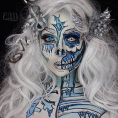 "eva.lamorte ""❄️Popart Zombie Ice Queen ❄️ For the Collab I posted earlier with my babes. Because glitter 1️⃣ @starcrushedminerals glitter in Cosmic Bombshell 2️⃣…"""
