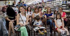 En la Librería Diego Marín, los clientes y empleados que eligieron este proyecto para celebrar la Fiesta de la banca con valores disfrutaron de un cuentacuentos terapéutico en un espacio repleto de cultura.