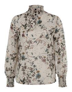 Hallo Siebziger! Die Bluse 'VMEllen' @aboutyoude ist aus zartem Chiffon mit gesmokten Abschlüssen gefertigt. Die Bootcut dazu und Dein Retro-Style ist perfekt!