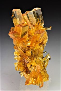 Minerals And Gemstones, Rocks And Minerals, Natural Gemstones, Mineralogy, Beautiful Rocks, Mineral Stone, Stones And Crystals, Gem Stones, Rocks And Gems