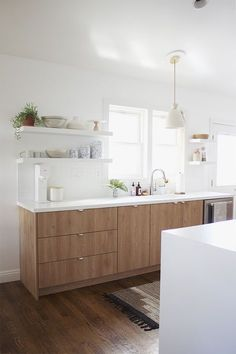 Modern Kitchen Design – Want to refurbish or redo your kitchen? As part of a modern kitchen renovation or remodeling, know that there are a . Kitchen Ikea, Modern Kitchen Cabinets, New Kitchen, Kitchen Dining, Kitchen Decor, Kitchen White, Wooden Kitchen, Wood Cabinet Kitchen, Kitchen With Window