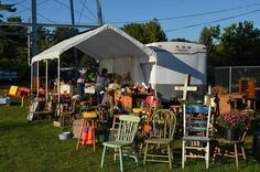 Whether you're looking for some good antiques, or funky junk you never knew you needed, these 6 flea markets in Iowa will have everything you need.