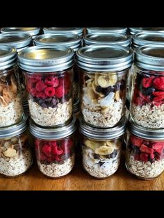Instant Oatmeal Jars! So convenient & versatile for busy mornings!