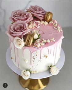 Cake Birthday Party Decorating 68 New Ideas - kuchen Beautiful Birthday Cakes, Beautiful Cakes, Amazing Cakes, Beautiful Beautiful, Elegant Birthday Cakes, Beautiful Pictures, 21st Birthday Cakes, Birthday Cakes For Women, Fondant Birthday Cakes