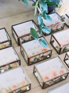 Glass box escort cards with fresh flowers - easton events guests wedding в Unique Wedding Favors, Wedding Gifts, Wedding Decorations, Wedding Boxes, Wedding Cards, Wedding Ideas, Wedding Seating, Wedding Table, Wedding Stationery