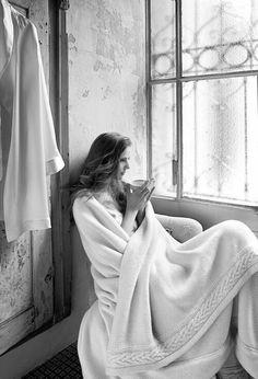 Lo Charme è un nodo da stringere con stile   La più bella decisione che possiamo prendere ogni mattina è di svegliarci felici, sorridere alla vita, all'amore... e al caffè! Giorgia Stella