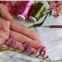 Der Neuen Besten : Easy Crochet Needlework-modellen die u nu moet doen Filet Crochet, Easy Crochet, Odd Molly, Saree Tassels Designs, Nail Tutorials, Baby Booties, Elsa, Needlework, Earrings