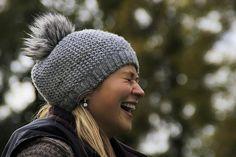 Tinas Lyckoskola: Fem grundstenar i ett lyckligt liv New Fashion Trends, Retro Fashion, Vintage Fashion, Fashion Images, Fashion Fashion, Bonnet Ski, Hot Dress, School Fashion, Winter Season