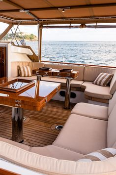 Sailboat Living, Living On A Boat, Sailing Yachts For Sale, Yacht For Sale, Luxury Yacht Interior, Luxury Yachts, Cool Boats, Yacht Boat, Super Yachts