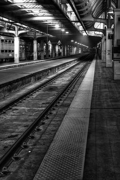 Chicago Union Station - Photography by Scott Norris Union Station Chicago, Thing 1, Chicago Photography, Poster Prints, Art Prints, Chicago Illinois, Great Shots, Architectural Elements