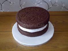 Giant Oreo cake!!