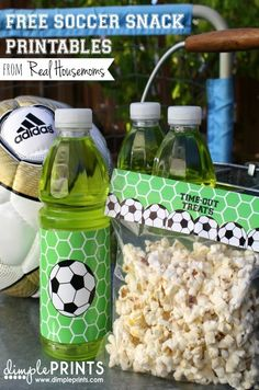 Free Soccer Snack Printables from DimplePrints for Real Housemoms Team Snacks, Sport Snacks, Game Day Snacks, Cheer Snacks, Kid Snacks, Soccer Treats, Soccer Snacks, Soccer Gifts, Kids Soccer