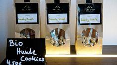 Die hausgemachten Hunde-Cookies werden gern als Leckerli gekauft