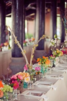 love the mixed glass colors with flower combo. I like the tall accent but something different. Decoration Table, Centerpiece Ideas, Table Centerpieces, Country Chic, Rustic Chic, Event Styling, Our Wedding, Wedding Bells, Wedding Flowers
