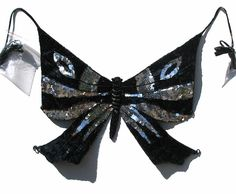 Butterfly Sequin Vintage Disco Halter Top – Outfit Inspiration & Ideas for All Occasions Butterfly Top, Vintage Butterfly, Hippie Goth, 1970s Disco, Disco Fashion, Sequin Crop Top, Rave Outfits, Vintage Tops, Fitness Fashion
