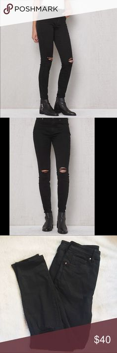 NWOT Ripped High Rise Skinny Ankle Jeans NWOT Bullhead Denim Co Ripped High Rise Skinny Ankle Jeans I bought from PacSun. The jeans are in perfect condition having never been worn and still have the size sticker on them. Fits true to size.                                                                                 ❌NO TRADES❌ PacSun Jeans Ankle & Cropped