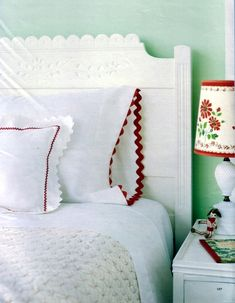 Large ric rack trim on pillowcase...lampshade is cute.