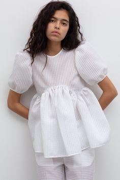Girl Fashion, Fashion Dresses, Womens Fashion, Fashion Design, Punk Fashion, Look Cool, Simple Dresses, Timeless Fashion, Cool Outfits
