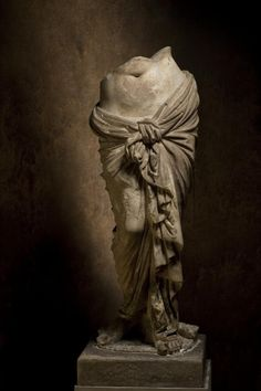 Torso statue known as Aphrodite Anadyomene - Hellenistic Period, century BC, from Attica Hellenistic Art, Hellenistic Period, Roman Sculpture, Art Sculpture, Sculpture Romaine, Ancient Greek Art, Ancient Greece, Greek Statues, Art Antique