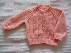 Baby Cardigan Knitting Pattern Free, Baby Boy Knitting Patterns, Baby Patterns, Knitting For Charity, Knitting For Kids, Knitting Projects, Knitting Ideas, Knit Baby Sweaters, Girls Sweaters