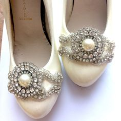 8b583b5be Ivory Pearl Vintage Crystal Applique Shoe Clips Decoration Pair Accessories   Handmade  Modern Shoe Clips