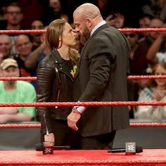 wwe Anything can happen in tomorrow's face-to-face. Comment below using #TeamMcMahon and #TeamRousey to ask a question for tomorrow's social media Q & A! #RAW @rondarousey @tripleh  2018/04/02 01:17:12