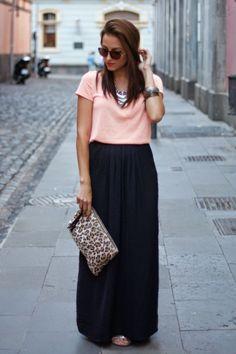 Saia preta + tshirt rosa