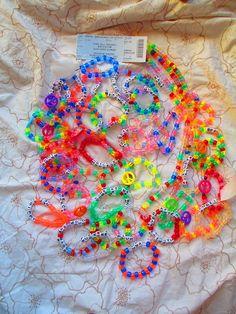 rave kandi | Tumblr Rave Bracelets, Pony Bead Bracelets, Pony Beads, Homemade Bracelets, Diy Bracelets Easy, Friendship Bracelet Patterns, Friendship Bracelets, Cute Jewelry, Beaded Jewelry