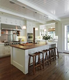 I want.  I love the little alcove in the back.  I think that would be my baking center or something.  Great natural light.