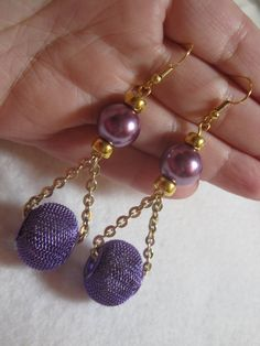 ***Please do not pin this just to use as a pattern. Please respect my copyright… Chain Earrings, Beaded Earrings, Earrings Handmade, Beaded Jewelry, Handmade Jewelry, Beaded Bracelets, Purple Earrings, Jewelry Patterns, Etsy Jewelry