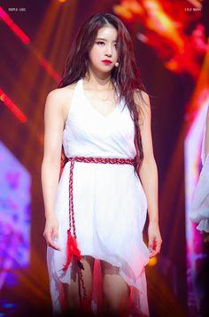 South Korean Girls, Korean Girl Groups, Lovelyz Mijoo, Woollim Entertainment, Kpop, First Girl, Debut Album, Moonlight, White Dress