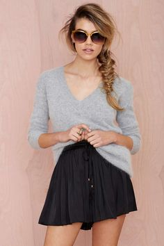 Tiny Dancer Pleated Shorts | Shop What's New at Nasty Gal