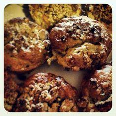 Peach Cobbler Gluten-free Muffins. A favorite dessert in a gluten-free bite-size portion!
