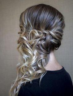 peinado semirecogido cabello rizado