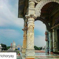 #Repost @petrichoryay with @repostapp To get featured tag your post with #talestreet some temples are surprisingly peaceful. /// #temple#_soi#oyemyclick#oyeitsindia#_oye#talestreet#trellatale#maharashtra_ig#mobilephotography#travelgram#travel#traveller#India#maharashtra#india_gram#temple#incredibleindia#photography#photogram#grunge#monument#love#roadtrip#indiapictures#india_ig#india_clicks #pixelpanda #mymemorylane #mypixeldiary #twitter