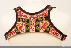 Liv Folk Embroidery, Color Shapes, Folk Costume, Fashion Outfits, Womens Fashion, Vintage Fashion, Museum, Ornament, Colours