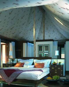 India, Jaipur, tent suite at the Oberoi Rajvilas Hotel